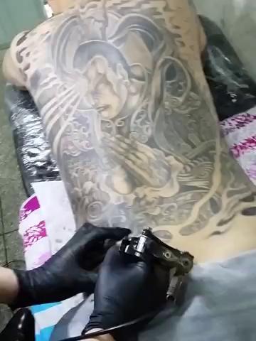 满背二郎神进行中.金麒麟纹身:13023078678. 微信:jql tattoo.