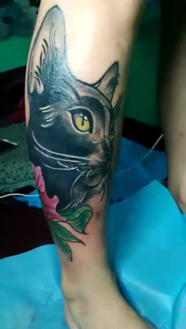 遮盖旧纹身,黑猫与玫瑰.